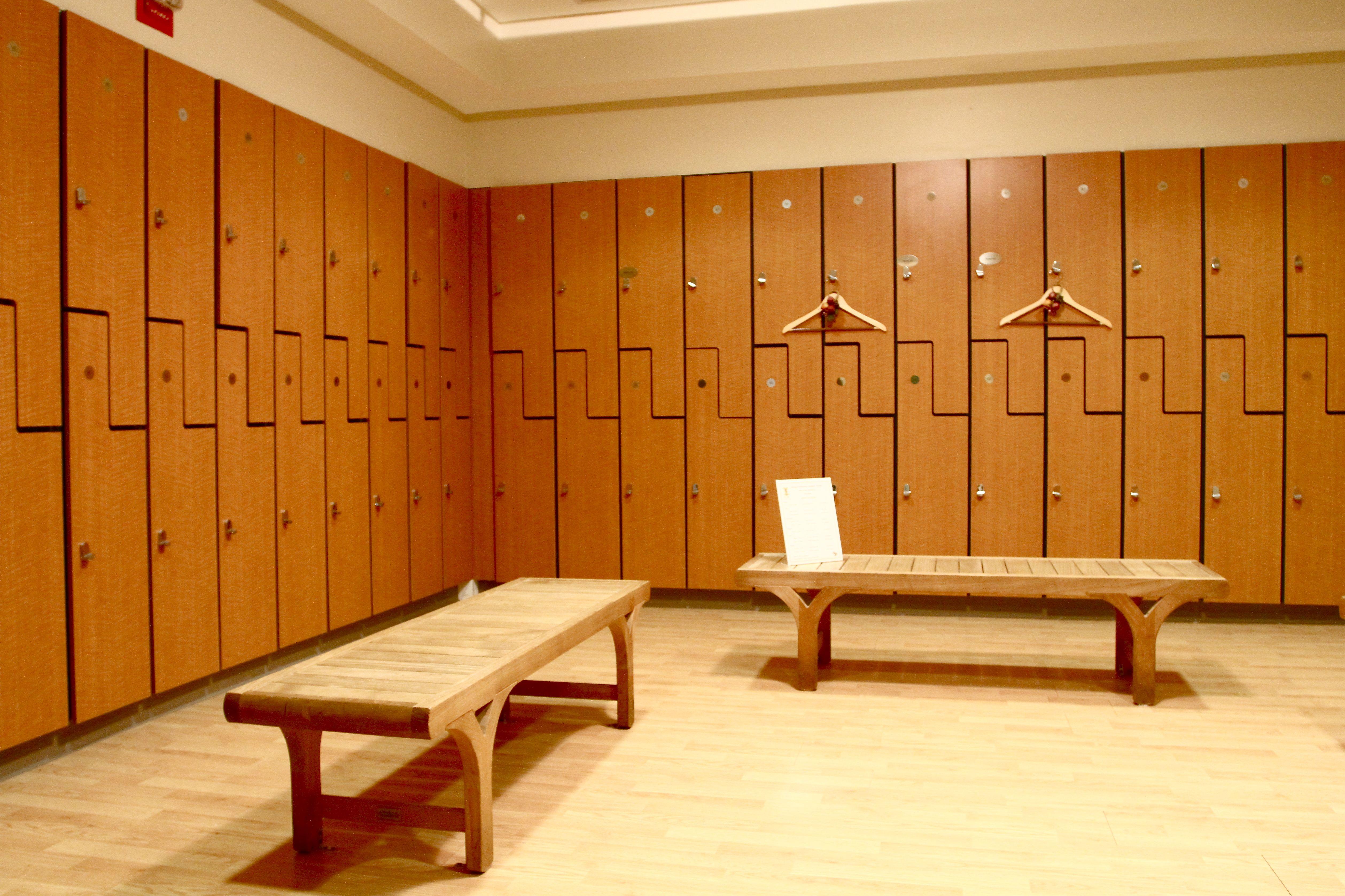 Spectacular Gym Locker Room Design | Chesapeake | Pinterest | Gym ...