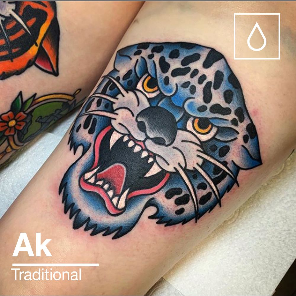 You saw the tiger last week and here is the matching snow Leopard on the back of the other thigh. Gorgeous!  #tattoo #tattooartist #artist #traditionaltattoo #tradtat #newtattoo #nexttattoo #tattooideas #snowleopard #colchester #essextattoo #ipswich #suffolktattoo #uktattoo