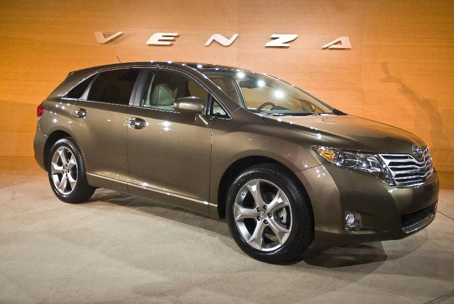 10 Cars That Are Discontinued For 2016 Toyota Venza