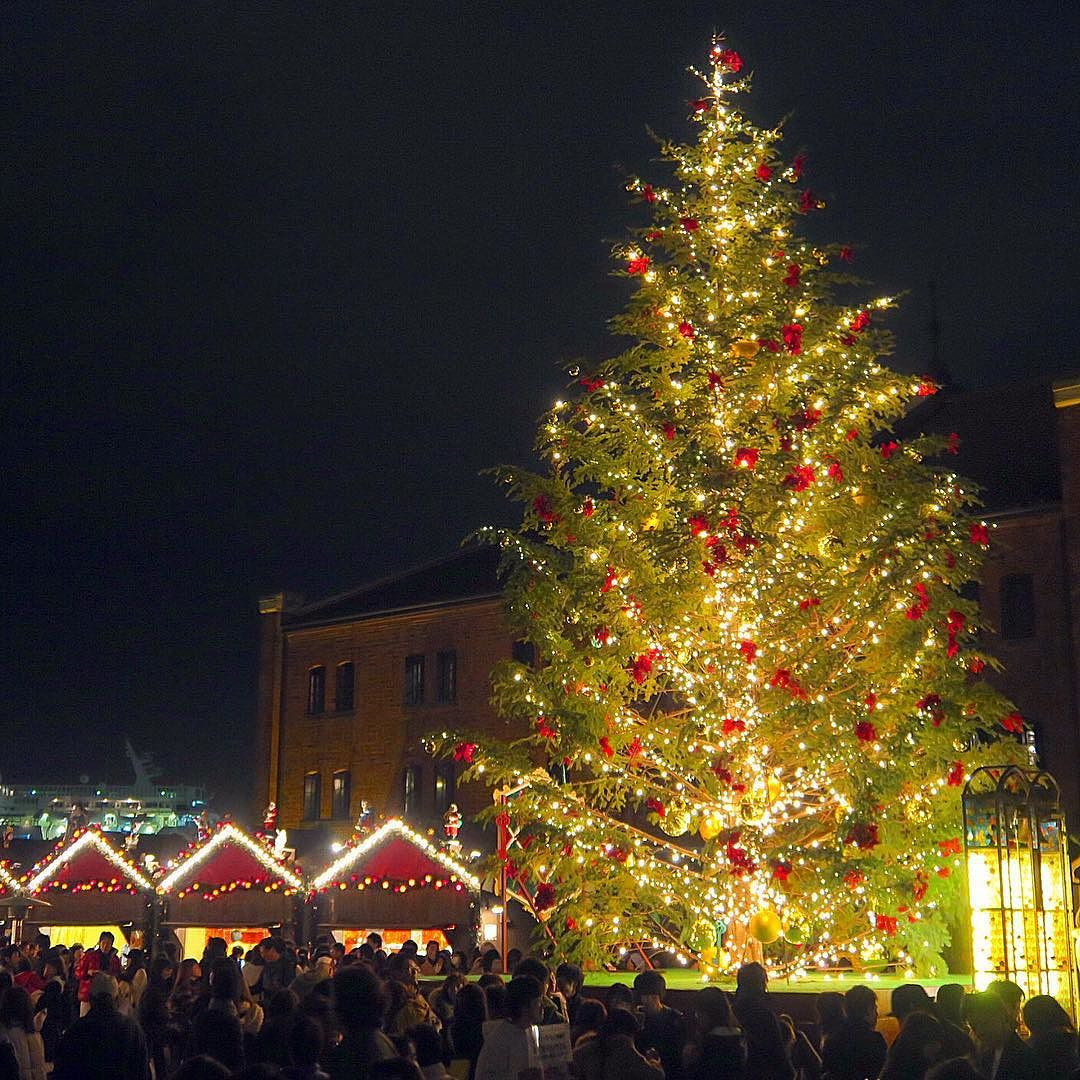christmas lights in japan yokohama red brick warehouse visited the christmas market lovely atmosphere japan tokyo yokohama minatomirai travel