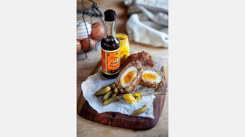 Skotska ägg.   Bild: Emma Eriksson Reciep/food styling: Liselotte Forslin