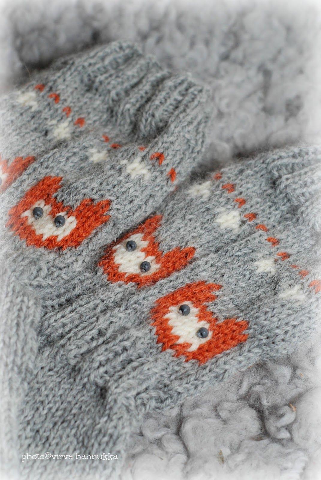 """Nämä sukkaiset syntyivät Novitan harmaasta Nalle langasta, jossa kettukuviossa  käsityöliikkeestä löytynyttä """"ketun oranssista"""" Maija l..."""
