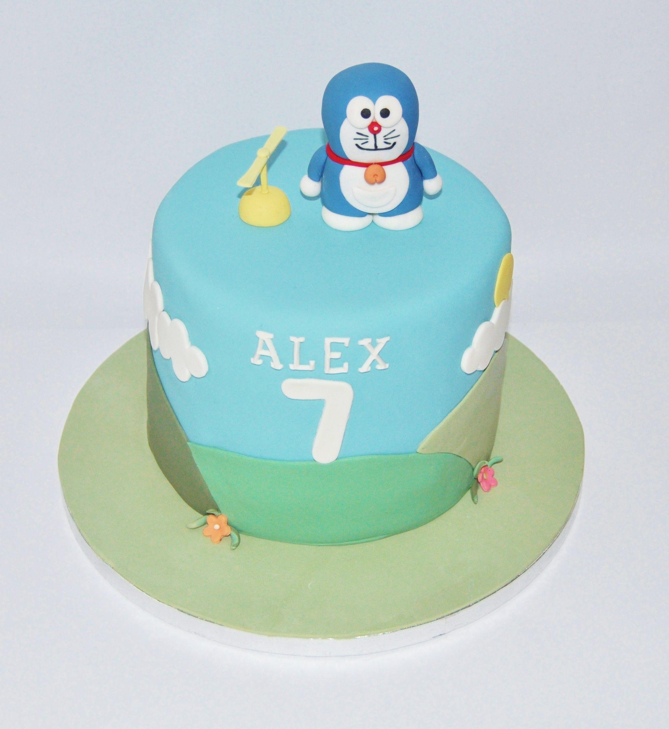Doraemon fondant cake.