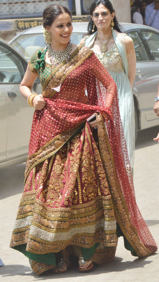 Genelia deshmukh at her brother nigel d 39 souza 39 s wedding for Dress for my brothers wedding