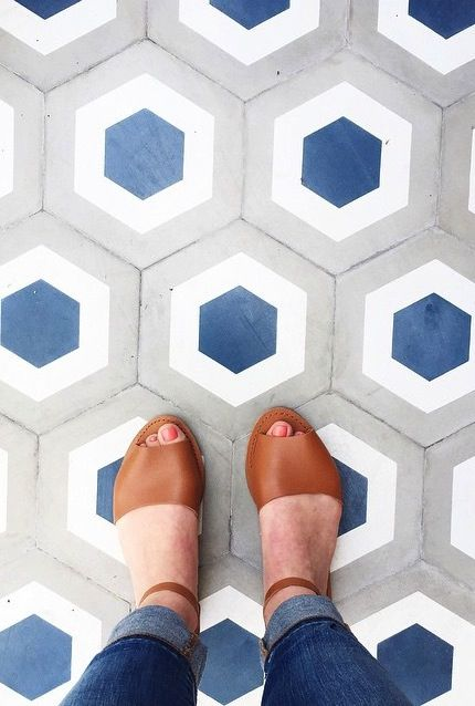 The perfect pair of flat sandals to wear all season long. Shop these classic leather sandals and all new spring shoes from Gap.