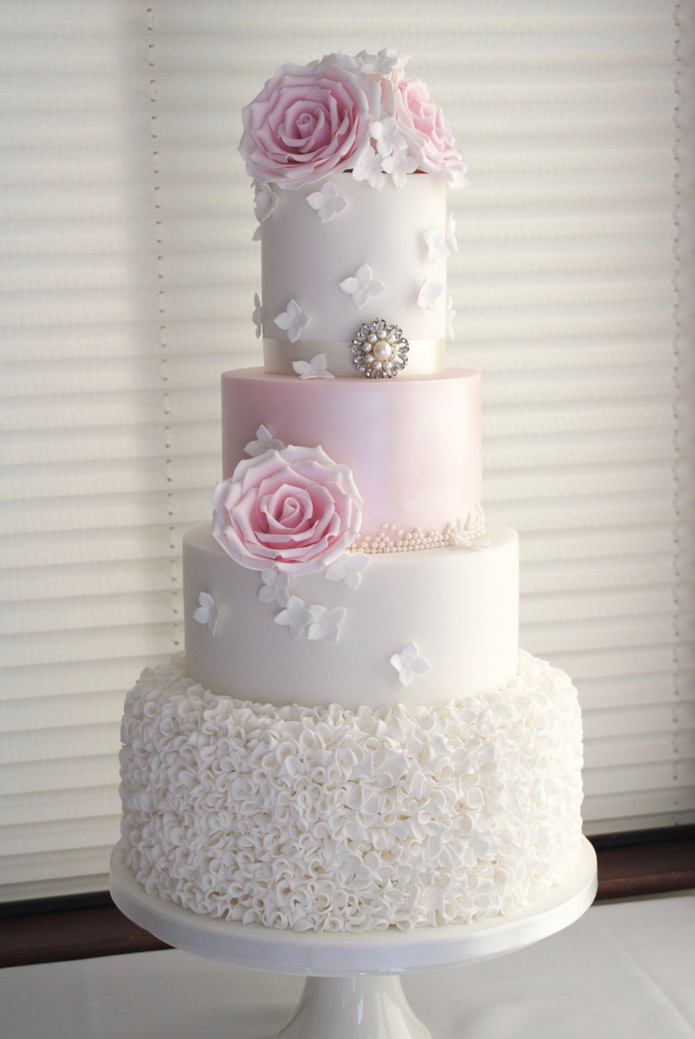 26++ Diamante brooch for wedding cake ideas
