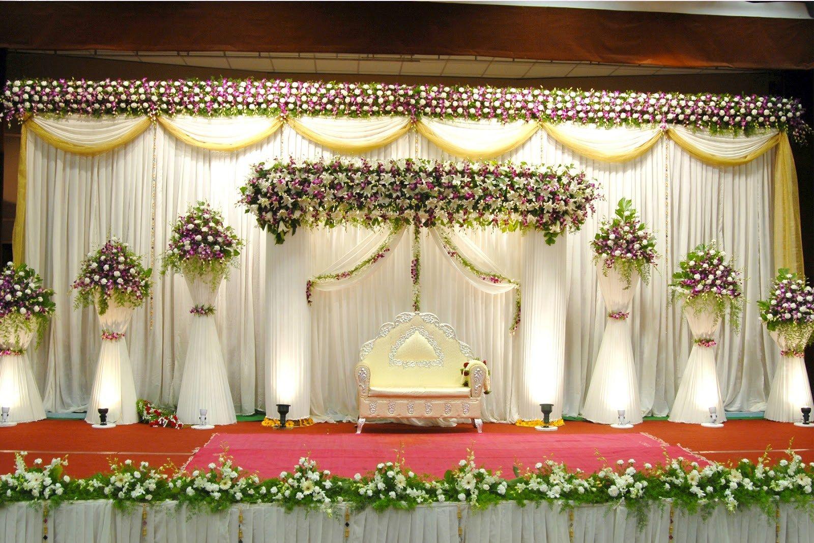 Wedding reception simple stage decoration  Simple wedding decor is trending nowadays floraldecor wedding