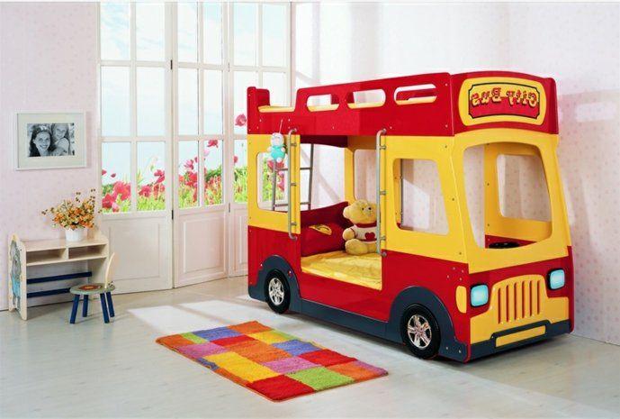 Auto Kinderzimmer ~ Kinderzimmer ideen jungs rotes bett gelbes bus design matratze