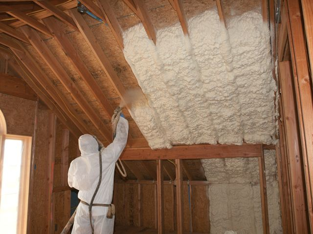 Foam Insulation Protects Home From Heat Moisture In 2020 Spray Foam Insulation Container House Spray Foam