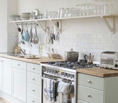 Peinture meubles cuisine vert d\u0027eau et carrelage blanc
