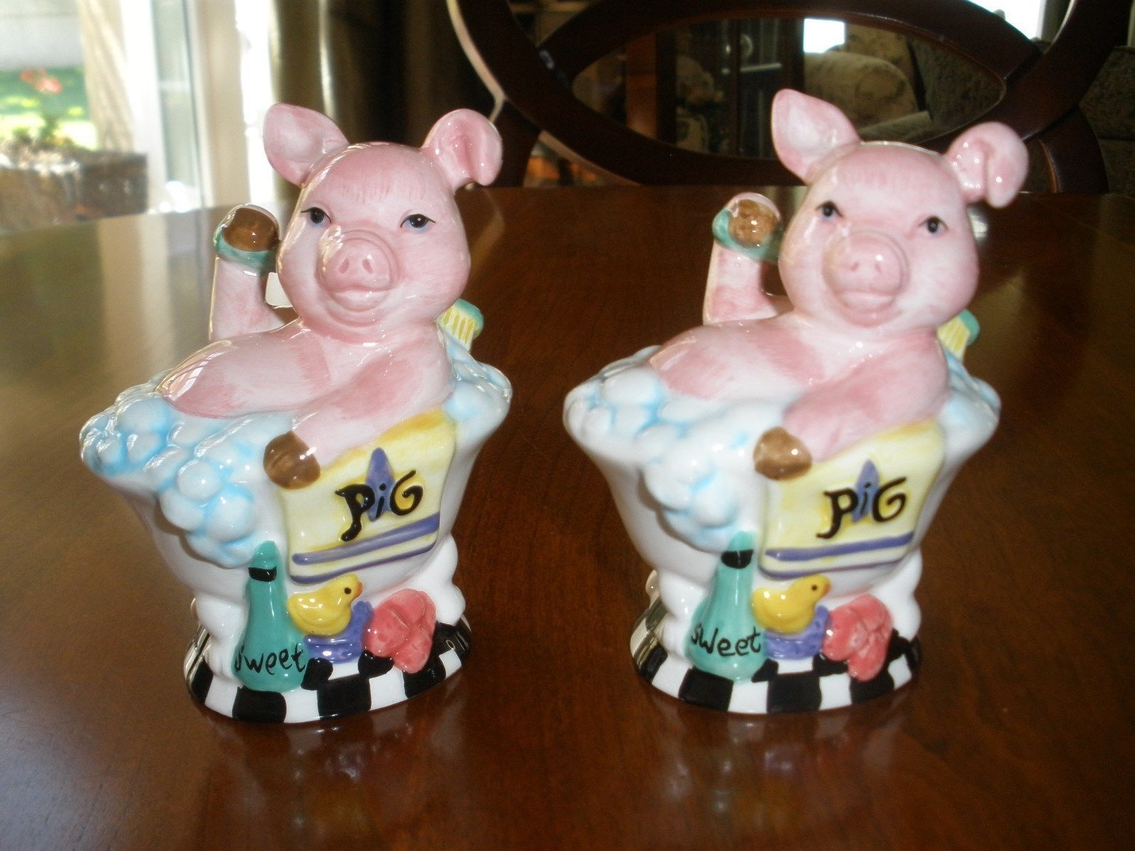 Ceramic Pig Piggy in A Bubble Bath Tub Salt Pepper Shaker Set Too ...