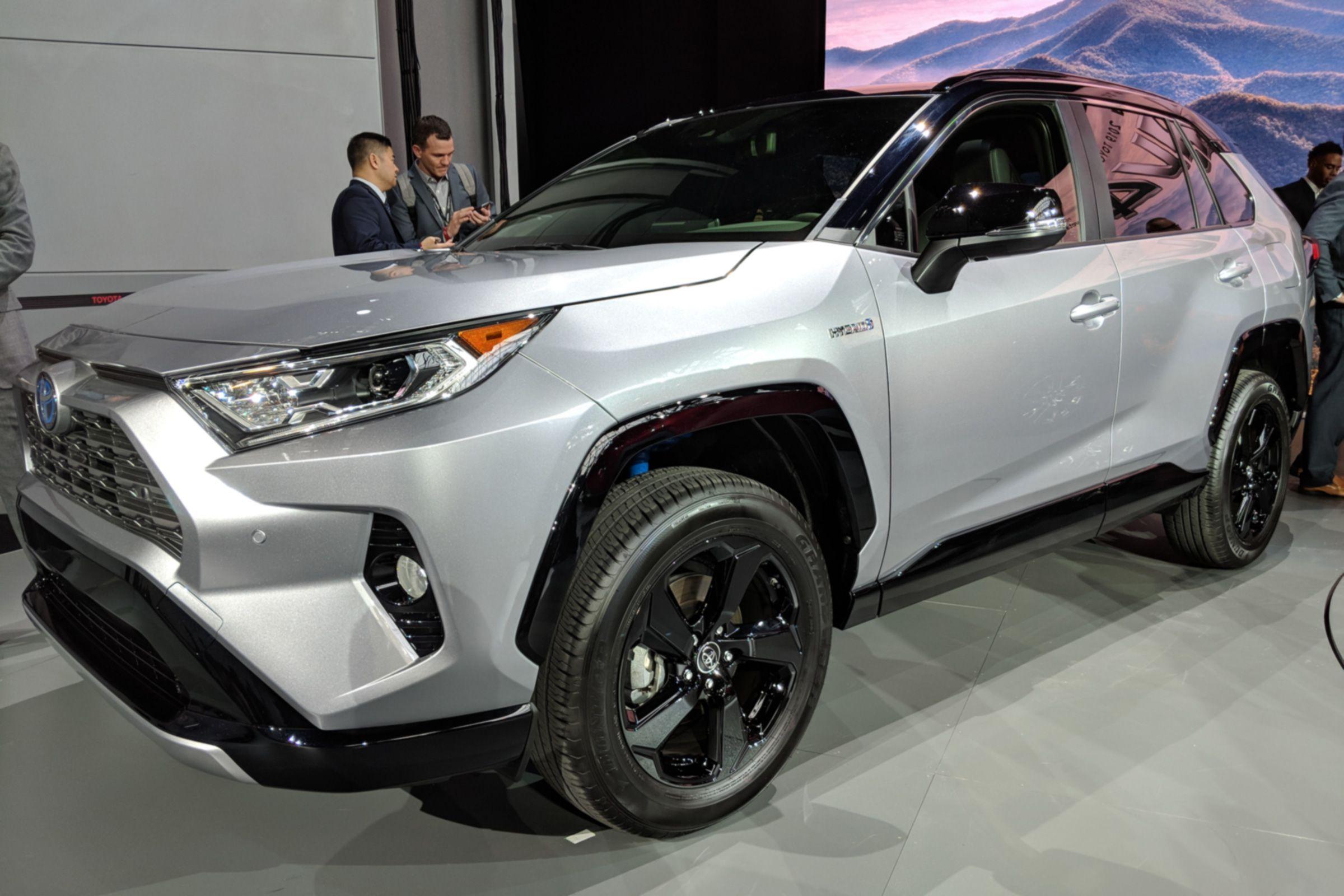 New Toyota Rav4 Revealed With Hybrid Powertrain And Design Cues From The Ft Ac Concept Toyota Rav4 Suv Toyota Rav4 Rav4