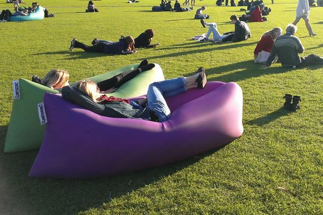 Dutch Designers Lamzac Introduce Their Inflatable Sofa The