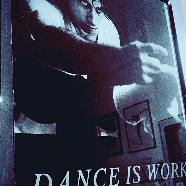 """Seit mehr als 30 Jahren hängt dieses Poster in den Büros des PCA und hat nichts an Gültigkeit verloren-weder für Kinder, Teens oder Profis. """"Dance is Work"""" but also definitely """"A lot of Fun"""". #yeswedance @performingcenteraustria #ballet #jazzdance  #hiphopdance #letshavefun #kindertanz #dance #dancing #PCA"""