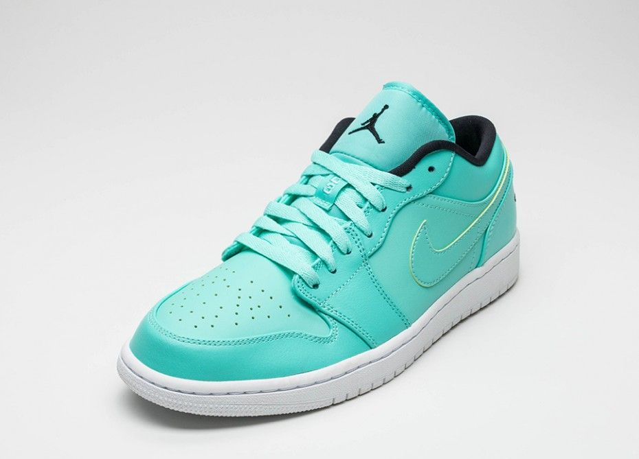 "da22d7965ad7 AIR JORDAN 1 LOW ""HYPER TURQUOISE"""