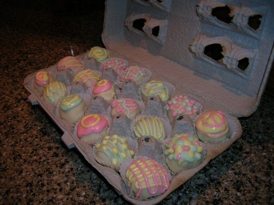 Banana Cake Pop decorated for Easter! | Cake pop ...