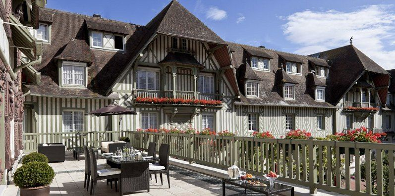 Normandy Barri 232 Re Hotel In Deauville Right On The Beach
