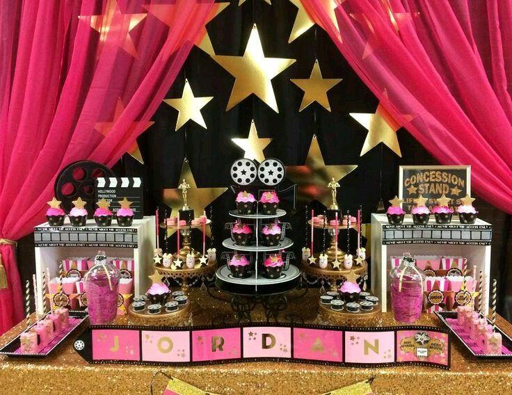 Bellas Ideas Para Una Fiesta Con Tema De Estrellas Fiestas De Cumpleaños De Hollywood Fiesta De Cine Fiestas De Adolescentes