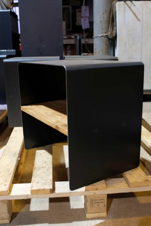 Beistelltisch Mnmlsm Classic Holz Metall Eiche Schwarz Grau In 2020 Mobel Online Shop Beistelltisch Holz Holz