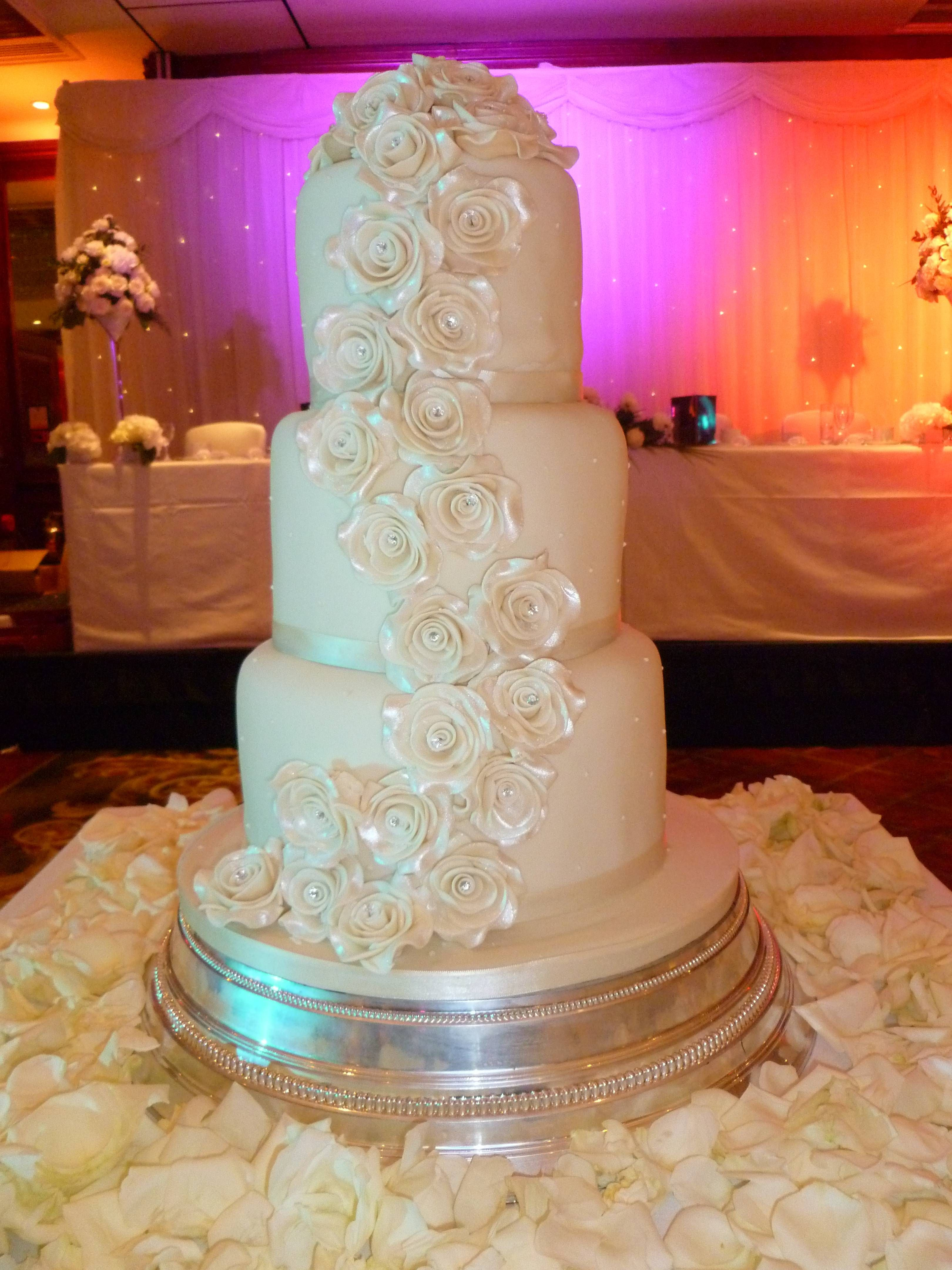 Wedding cake in london white and silver by pjr beautiful cakes for