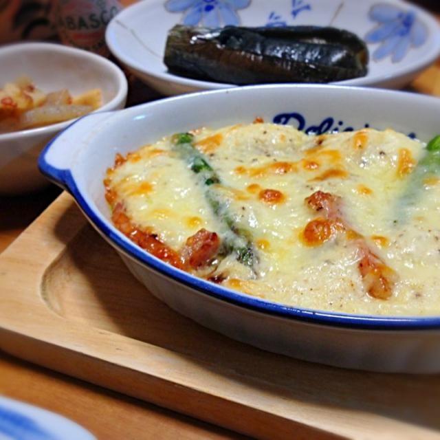春菊じゃなくてアスパラで作りました♡ 軽くクリーミィなグラタン♡家族にも大好評でした(*´ー`)ノ プーティちゃん、素敵レシピありがとう((人゚∀゚*) - 101件のもぐもぐ - プーティさんのベーコンの長芋豆腐グラタン♪・茄子のピリ辛丸煮・筍とこんにゃくの塩きんぴら by saganecchi