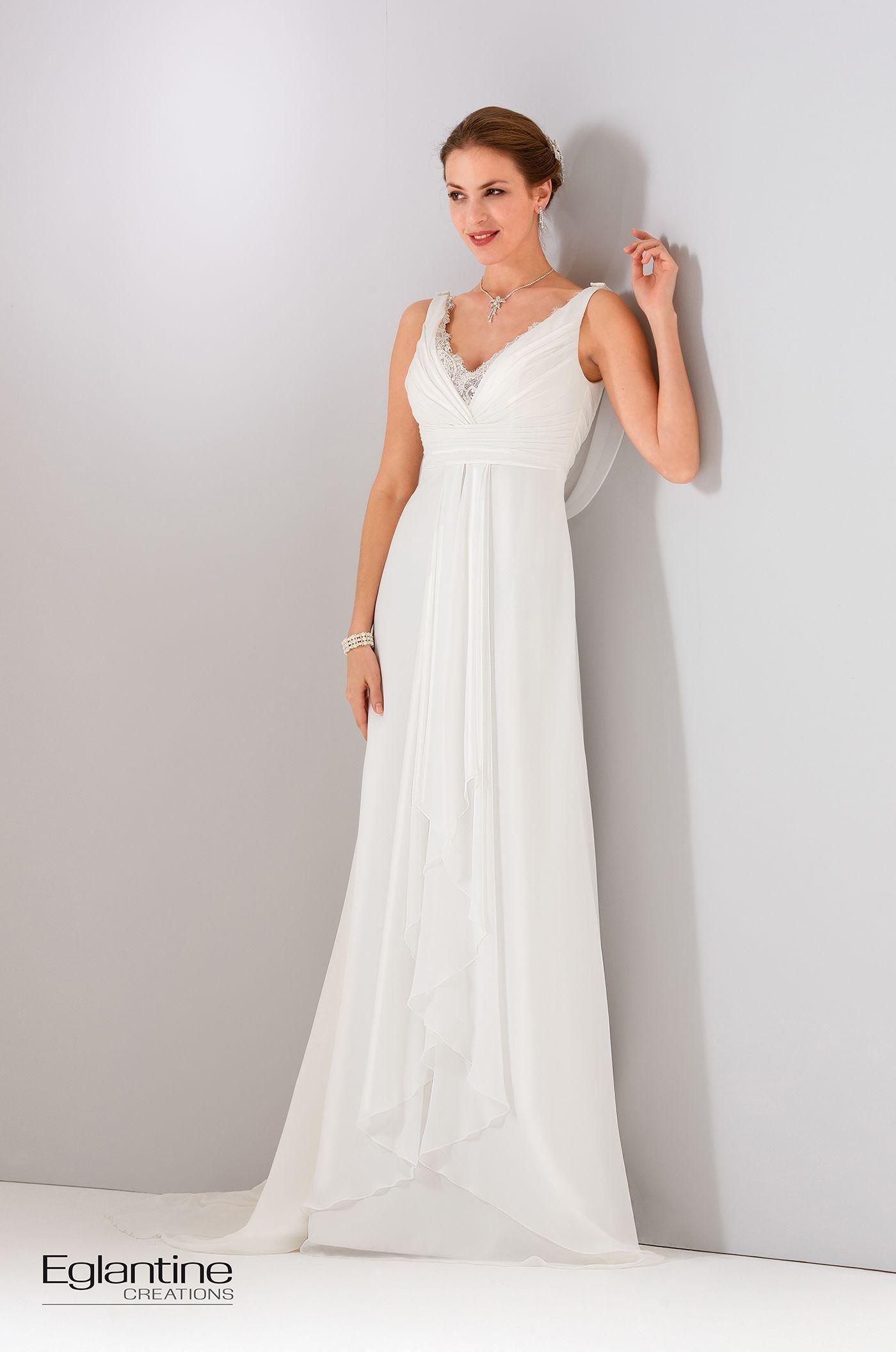 robe de mari e fluide en mousseline avec bretelles le buste drap forme un d collet en v. Black Bedroom Furniture Sets. Home Design Ideas