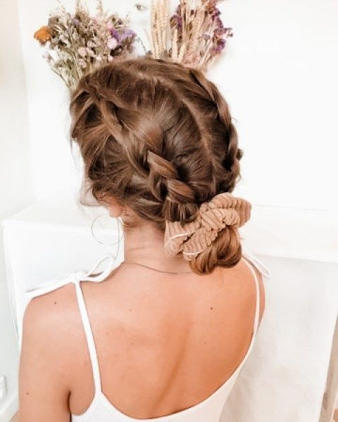 The Best Scrunchie Hairstyles for Today - DIY Darl