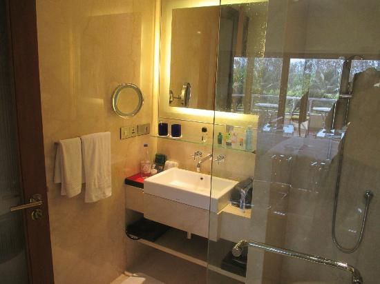 The oberoi bangalore like the simplicity and for Small bathroom designs bangalore