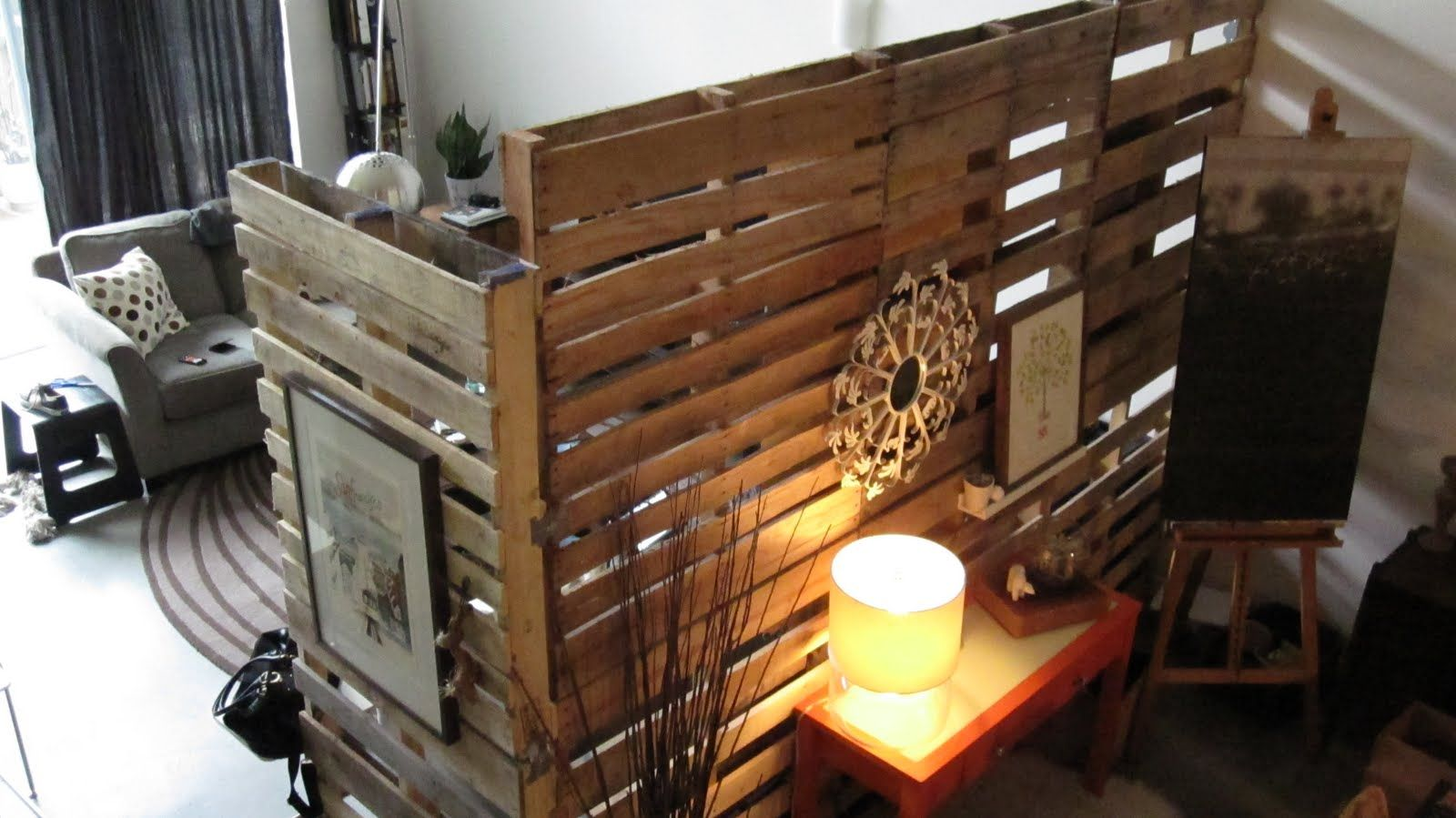 Pallet wallom dividereap easy way to change a room