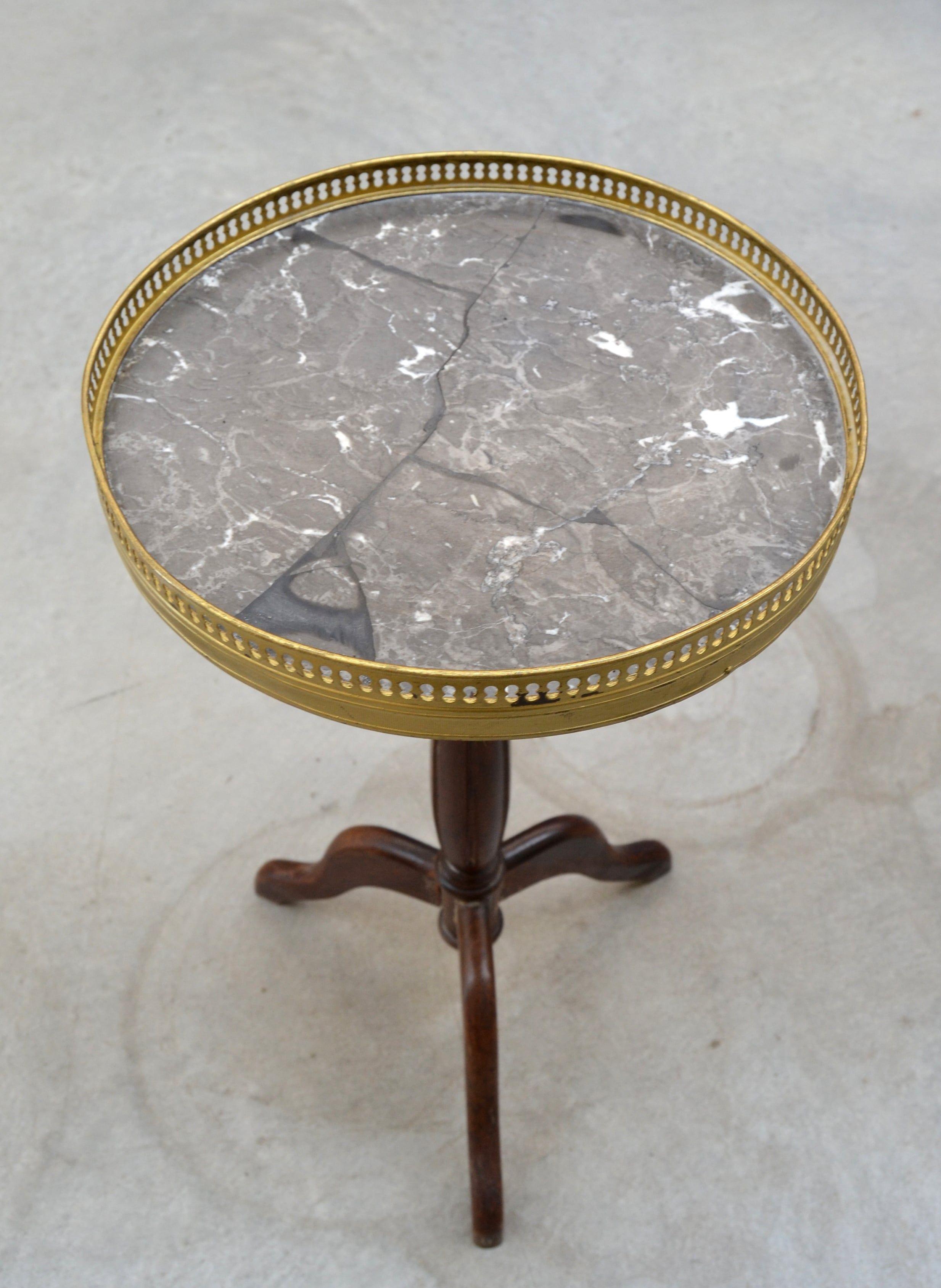 Tavolino rotondo Napoleone III da fumo in mogano piano in marmo