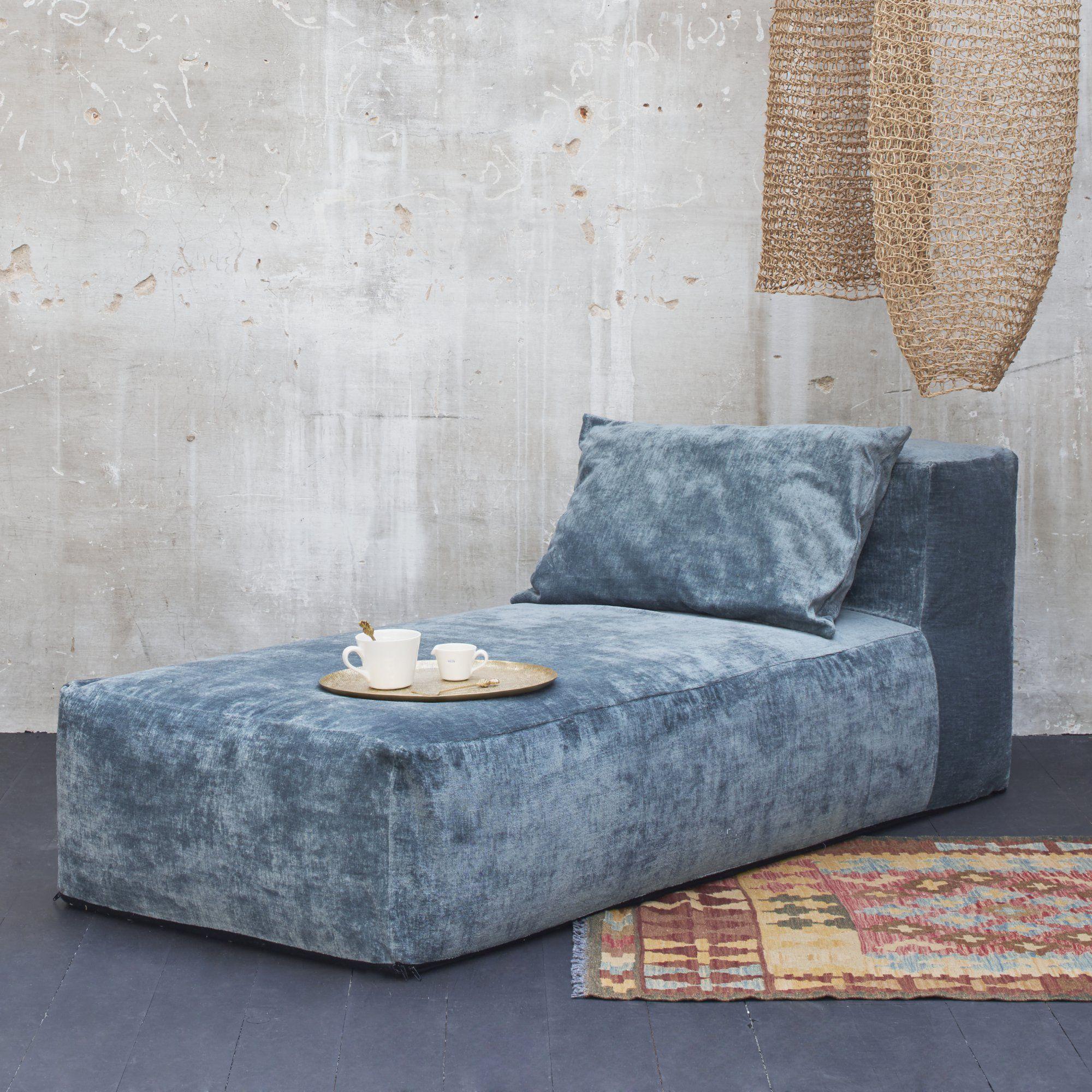 Méri nne en velours bleu gris pour une décoration feutrée et