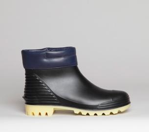 Rain boots, Blue suede shoes