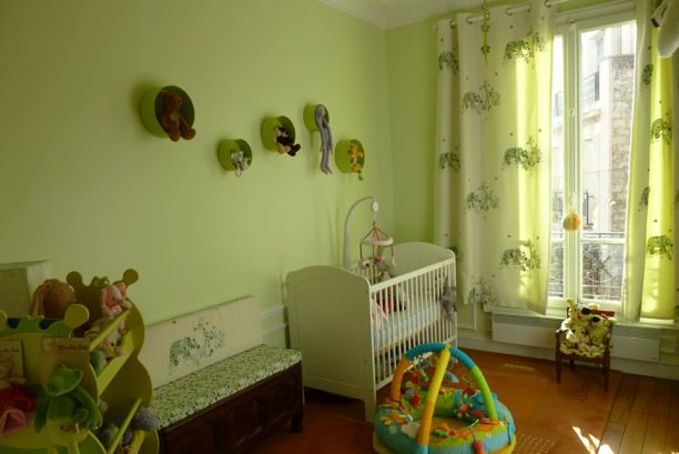 vert pomme | Chambre bébé vert, Déco chambre vert et Vert ...
