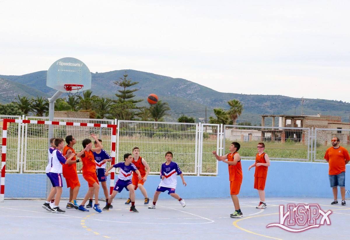 El equipo de baloncesto de SportsTeamISP disputó un