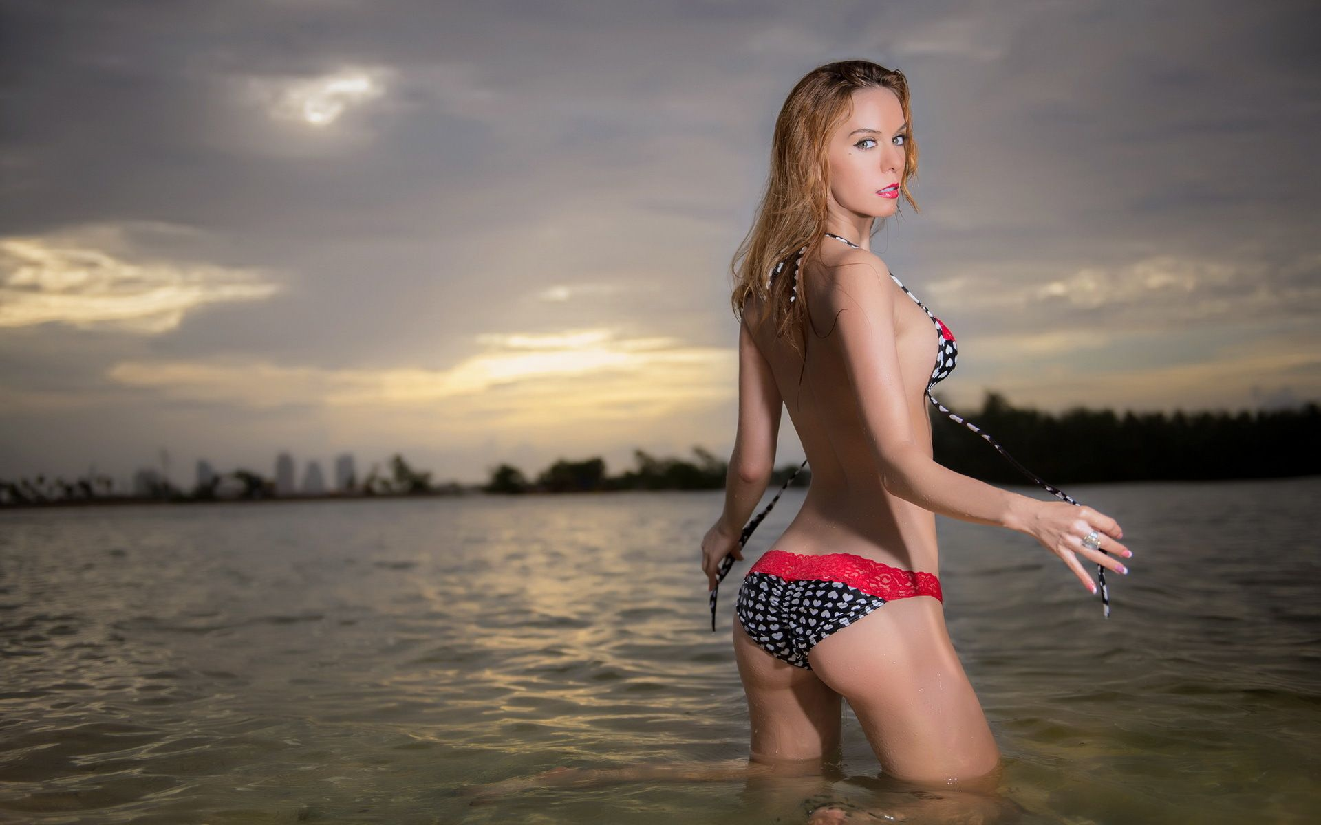 Mädchen strand nackt