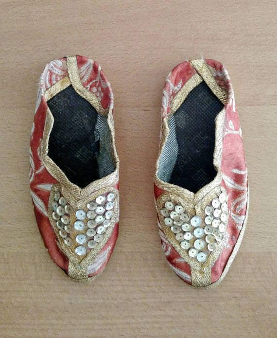 034ab90877131 Fairytale Slippers | Vintage Moroccan | Girl's Slippers Size 7 ...