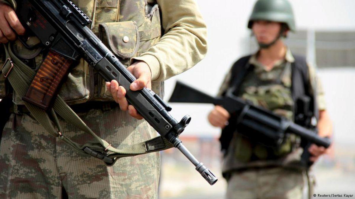 Al menos 18 muertos tras atentado contra cuartel en Turquía - Teletrece