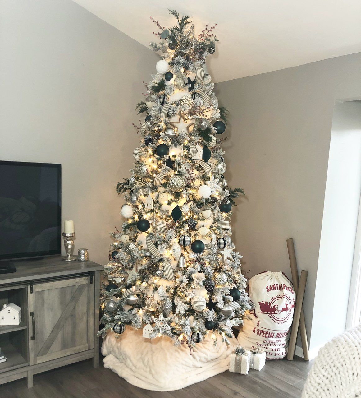 Modern Farmhouse Christmas (With images) Modern