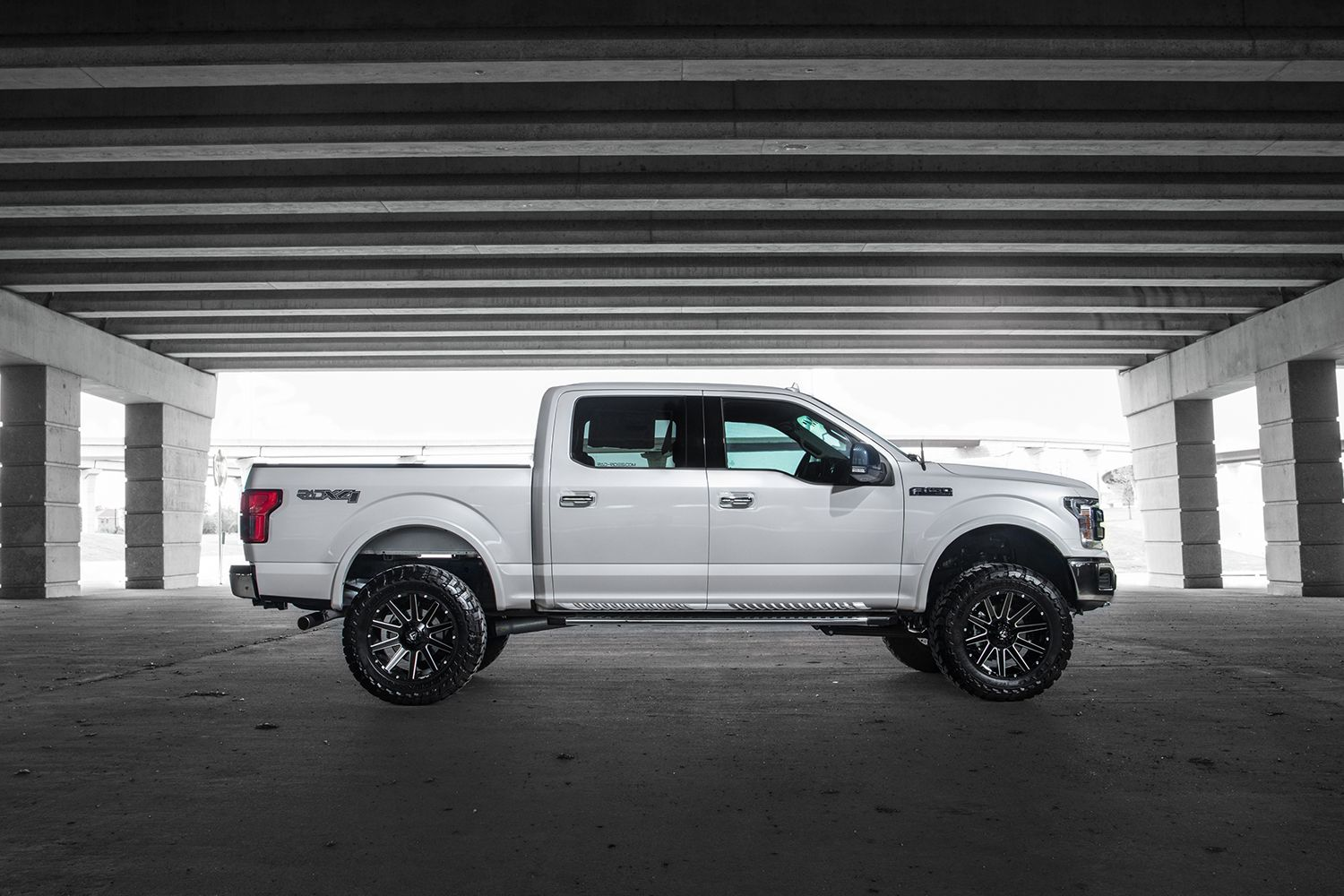 Lifted 4x4 Ford F150 White Platinum With Fuel Contra Wheels And
