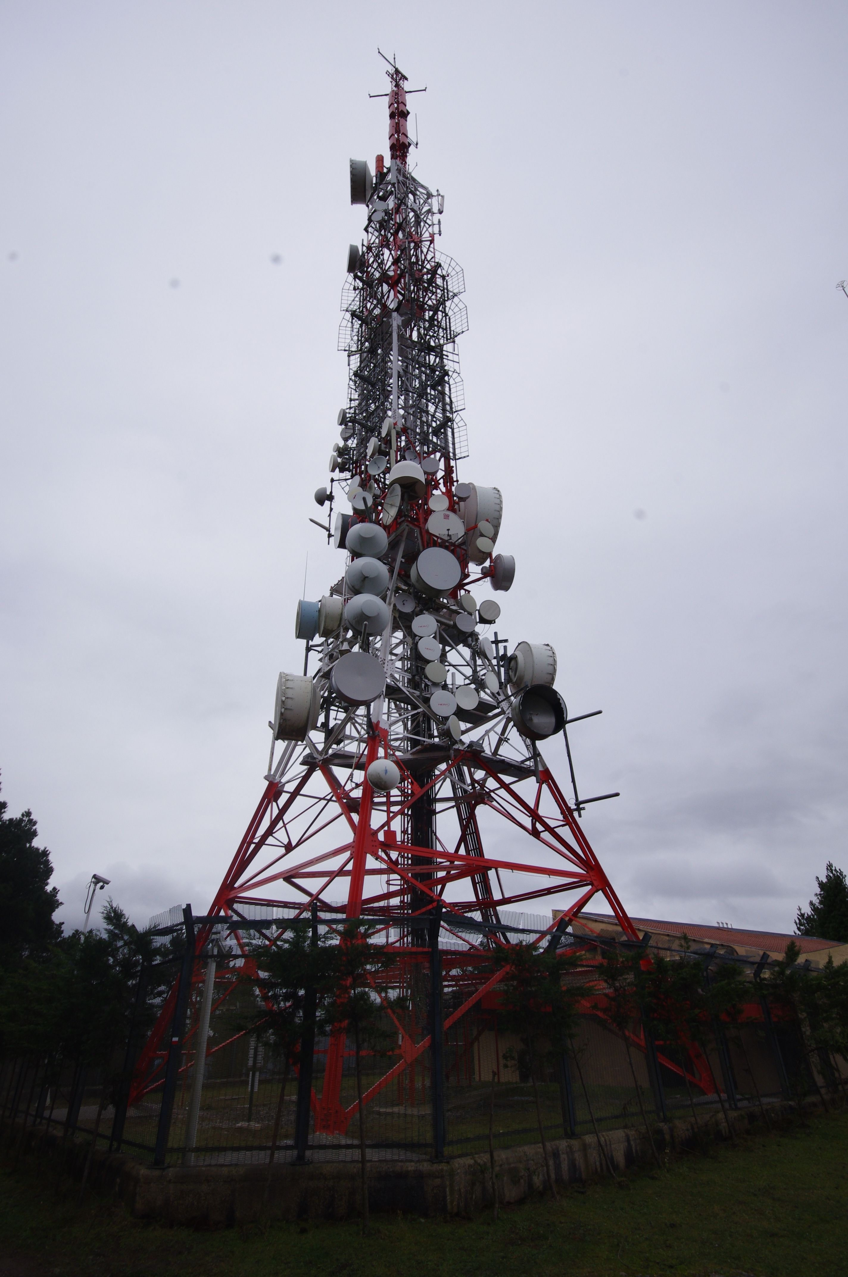 Telebista antena, ETAren 1997ko atentuaren ostean berritua, Ganeta tontorra