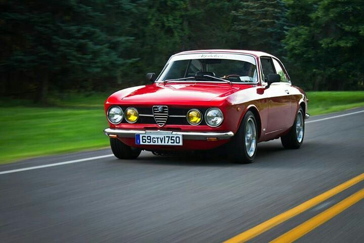 Alfa Romeo Gtv 1750 All Alfa S Are Cool This One Is Uber
