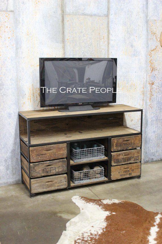 Die Sheriff Crate TV Konsole - Custom Crate Möbel - Vintage Holzkisten und 100+ Jahre alte Sc... Die Sheriff Crate TV Konsole - Custom Crate Möbel - Vintage Holzkisten und 100+ Jahre alte Scheune W,
