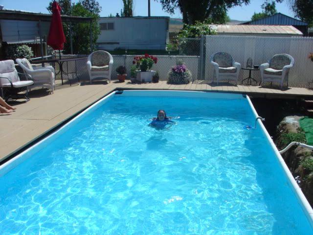 Landscaping around an intex pool pool ideas pinterest - Rechteckiger pool ...