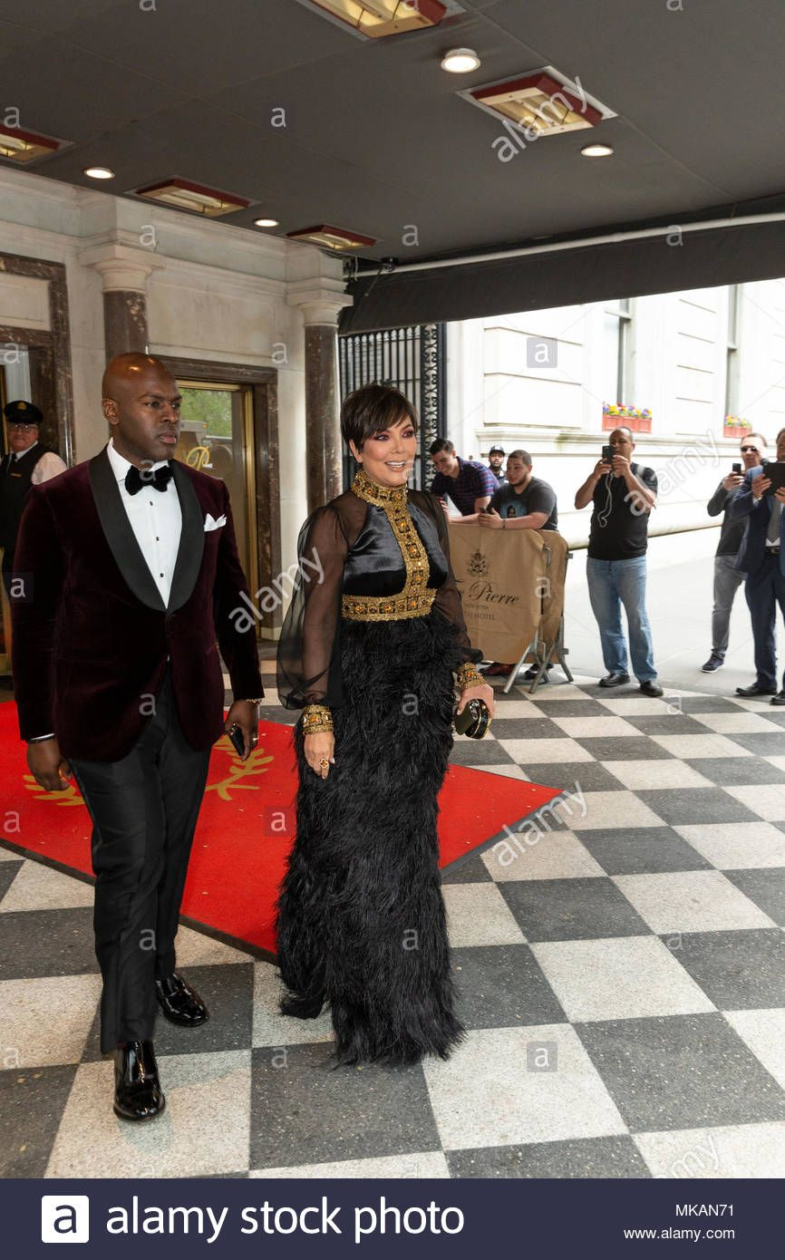 722e4a2e6 Download this stock image: New York, NY - May 7, 2018: Corey Gamble, Kris  Jenner wearing design by Tommy Hilfiger leaving The Pierre Hotel for  Heavenly ...
