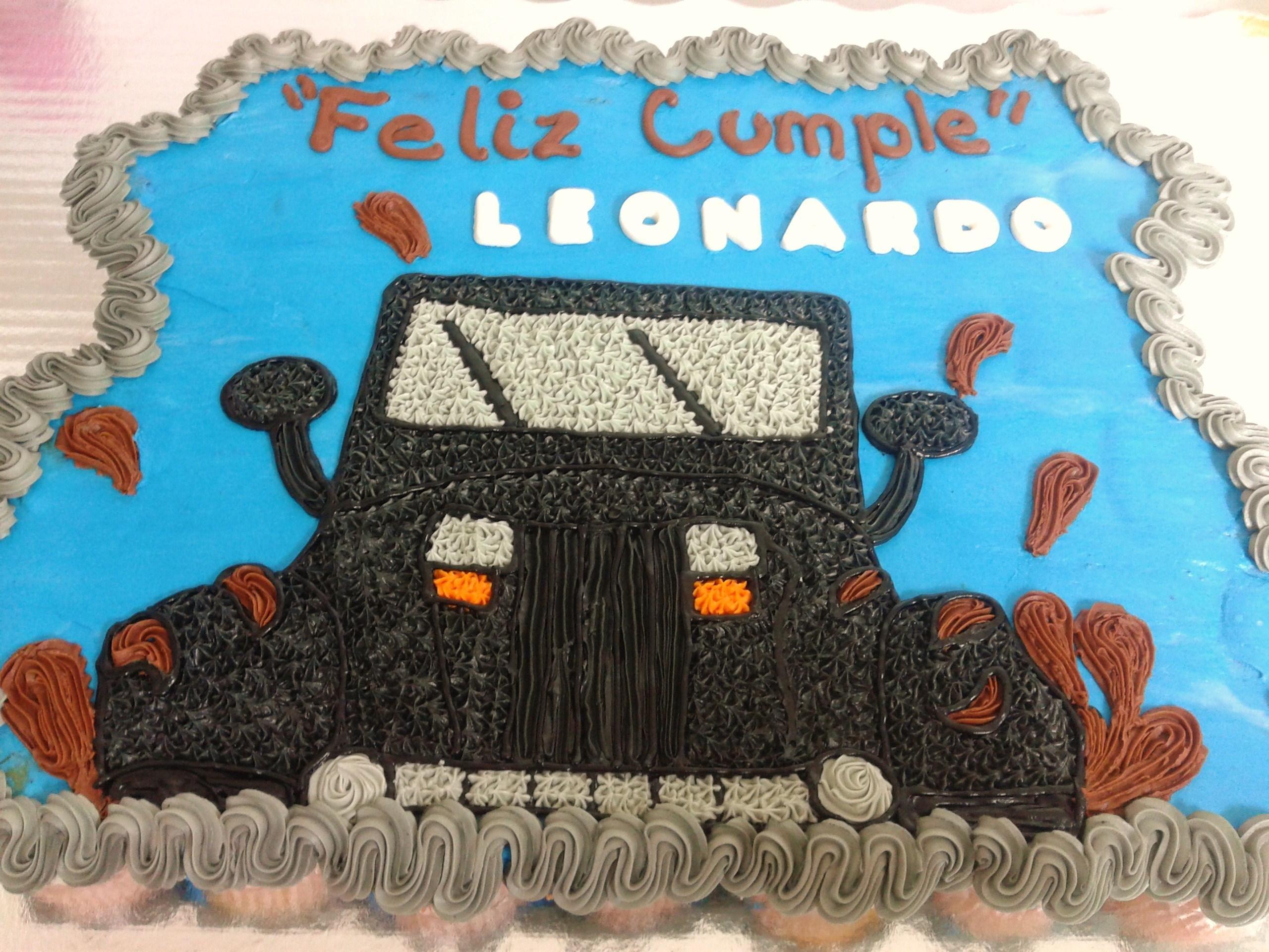 Pastel Jeep/ Betún/ Cumpleaños/ Sabor Chocolate/ Relleno de oreo/