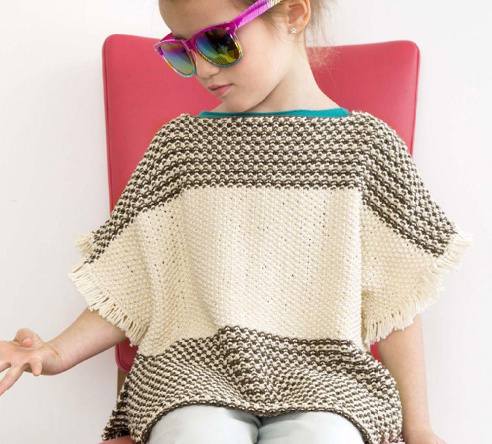 Un modèle de pull poncho très bohème pour l'été de la