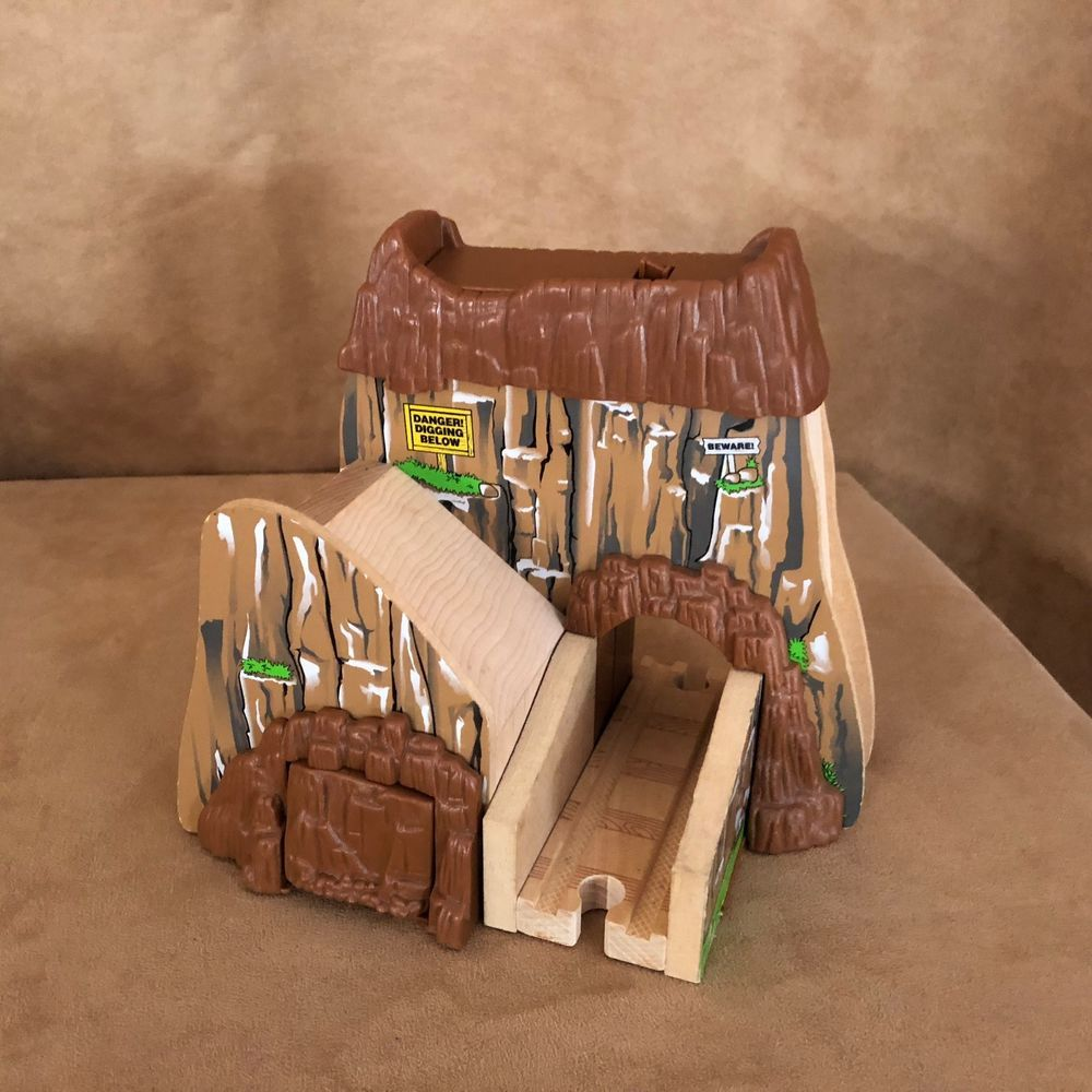 Boulder Mountain Tunnel Thomas The Tank Engine Wooden Learning Curve