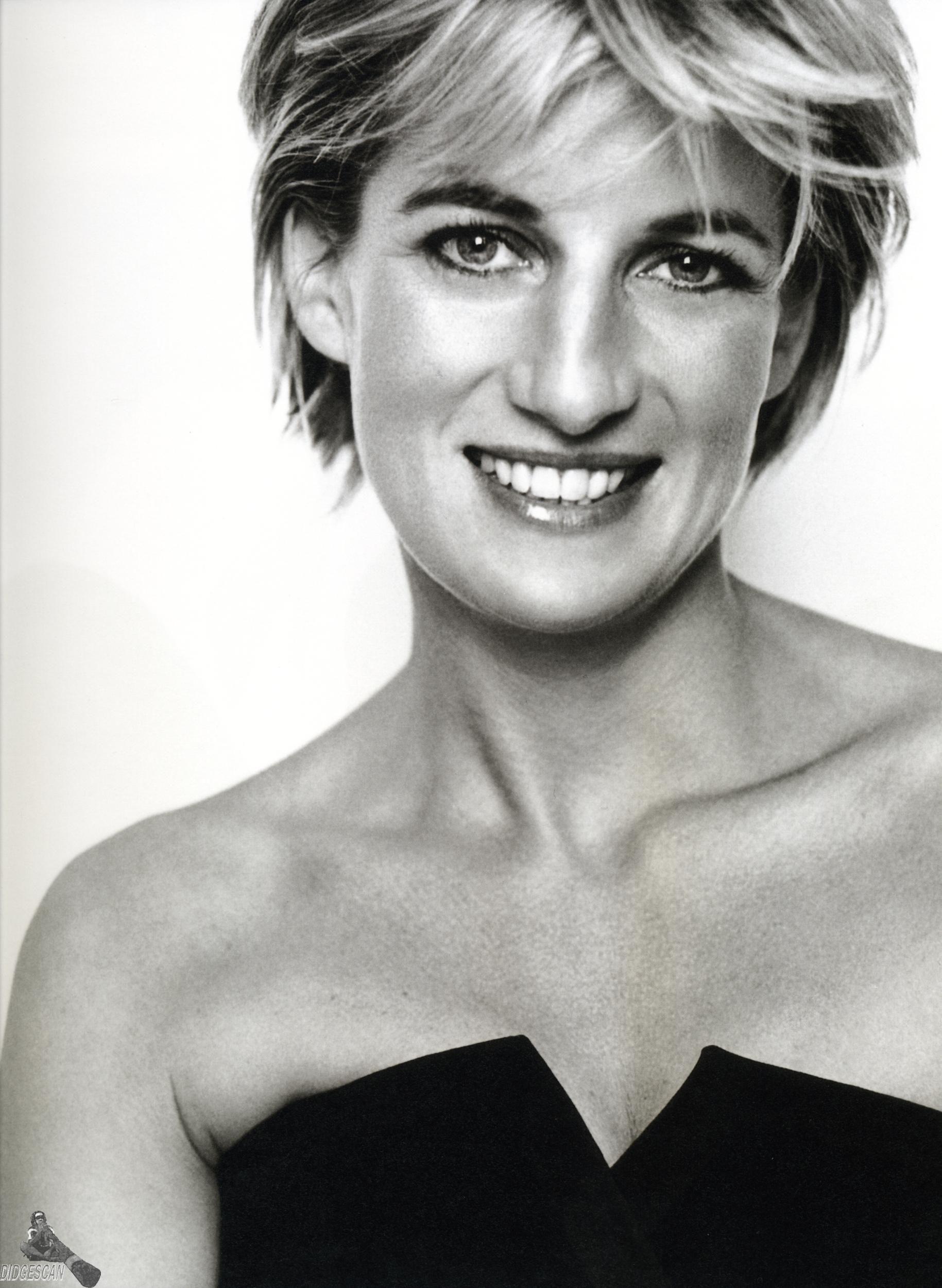 Księżna Diana nadal w sercach Brytyjczyków. http://womanmax.pl ...