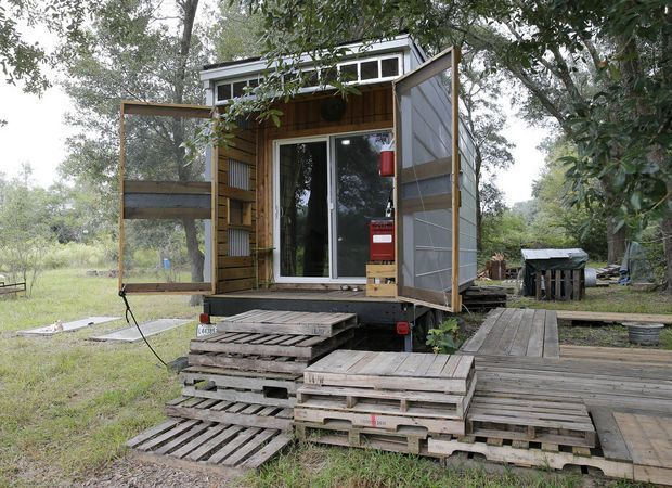 The 10K 192 Sq Ft DIY Bachelor Pad Tiny House dont know about