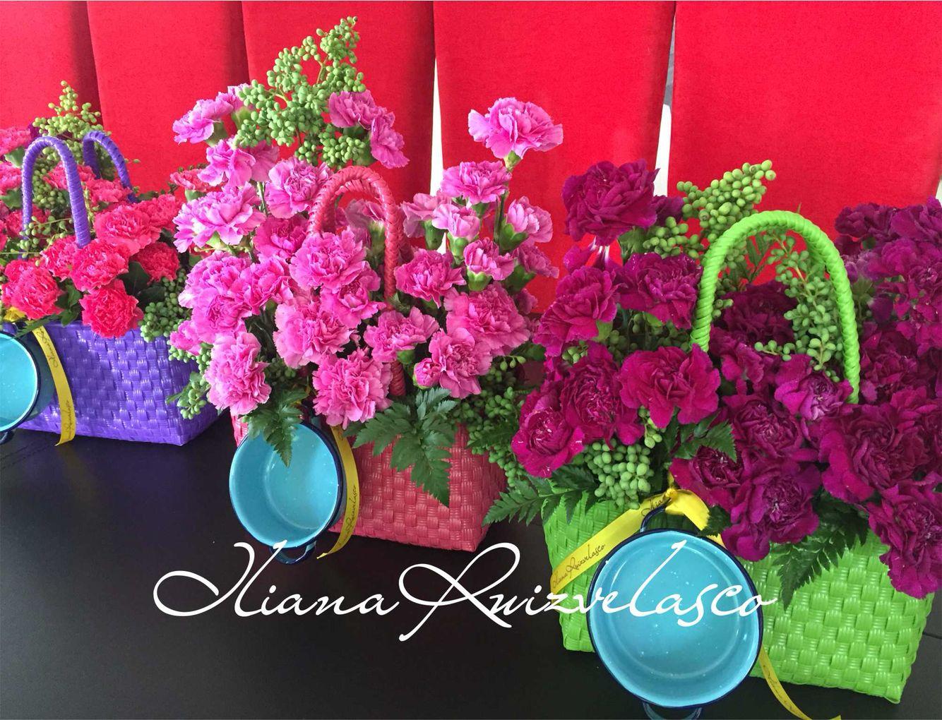 Diseños florales estilo urbano mexicano